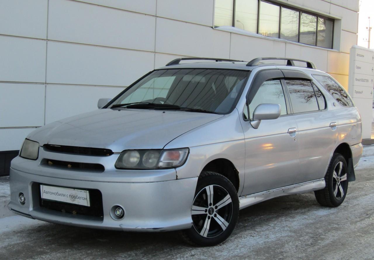 Nissan R'nessa 1997 - 2001